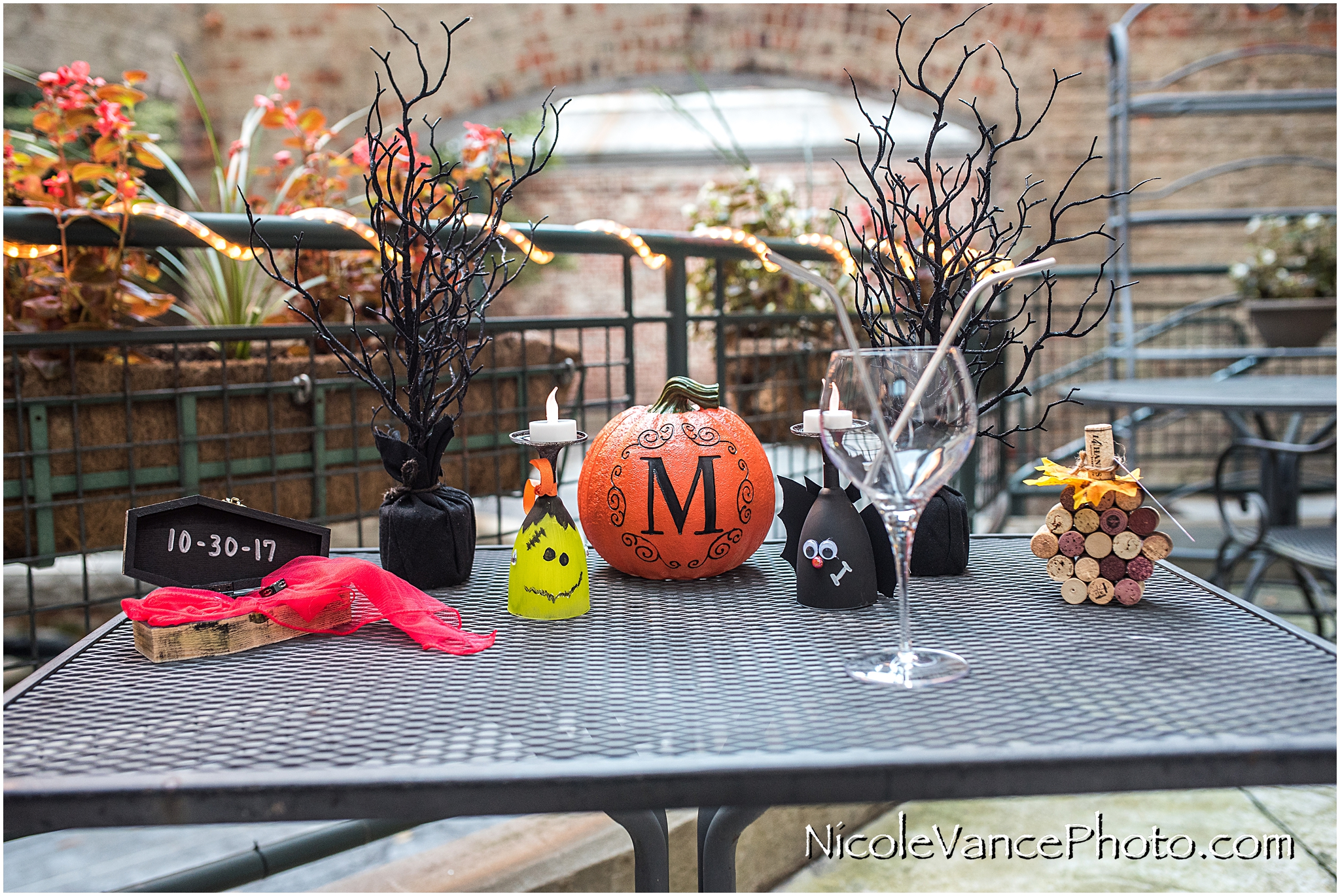 I loved the bride's DIY halloween themed details.